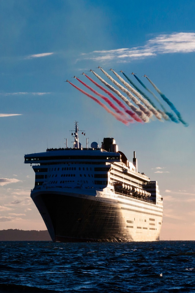 ISON_180810_Cunard_RedArrows_59807
