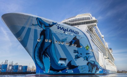 Norwegian Bliss takes to water for first time
