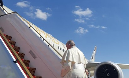 Etihad flies pope home after historic Middle East trip