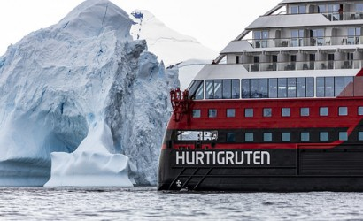 MS Roald Amundsen heads further south than ever before