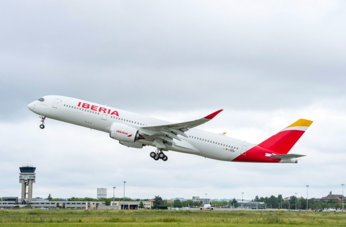 Iberia takes delivery of first A350 XWB from Airbus