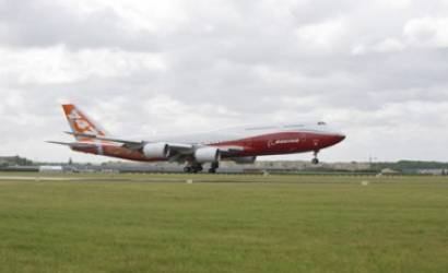 Paris Air Show: Boeing 747-8 Intercontinental arrives for international debut