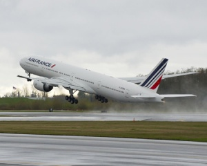 Boeing delivers latest 777 passenger jet to Air France