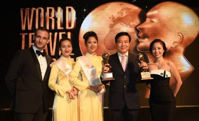 Vietnam Airlines takes prestigious duo of World Travel Awards