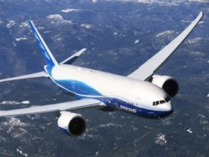 Boeing sees revenues nudge upward in second quarter