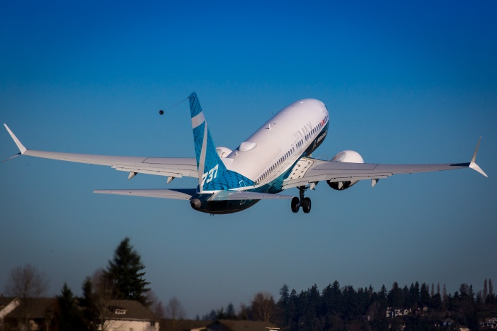 Boeing 737 MAX 7 completes first test flight