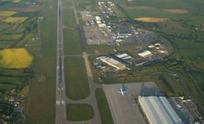 Plane makes emergency landing at East Midlands
