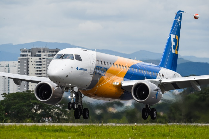 Maiden flight for Embraer E175-E2 in Brazil