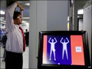 Top consultant stokes body scanner cancer fears