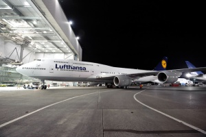 Lufthansa to begin Boeing 747-8 Intercontinental testing