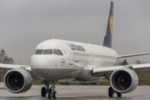 Lufthansa receives second A320neo from Airbus