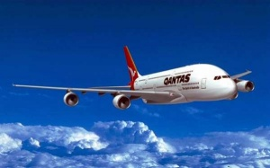 Qantas remains grounded for second day