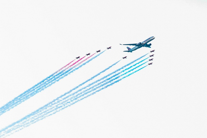News: Qatar Airways celebrates 20th anniversary with Red Arrows fly-past