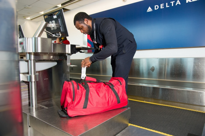 IATA offers support to rollout of radio frequency identification for baggage