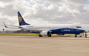 Ryanair showcases Boeing co-branded aircraft
