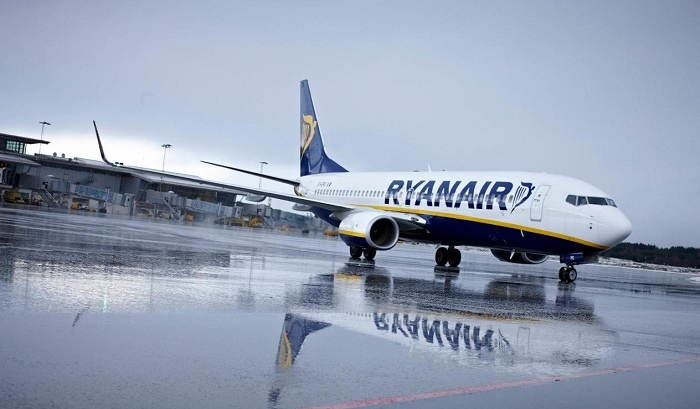 Ryanair carries 11.8m passengers in June