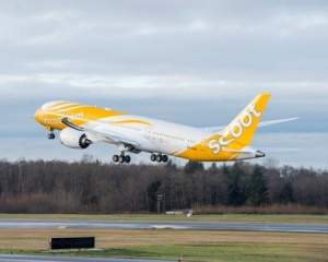 Scoot receives first 787 Dreamliner from Boeing