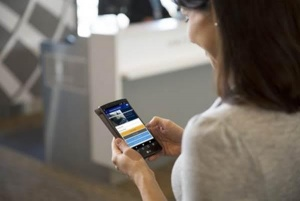 United Airlines offers passengers chance to manage flights through new app