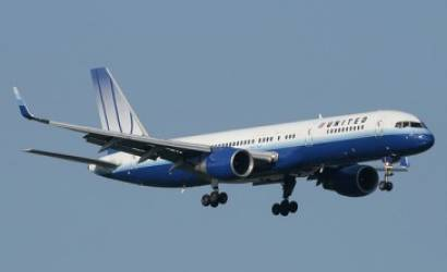 United Continental reports 99% fall in profit
