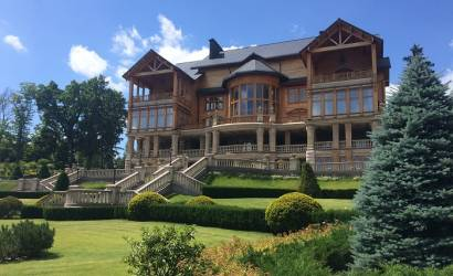 Breaking Travel News investigates: Inside the palace of Viktor Yanukovych, Ukraine