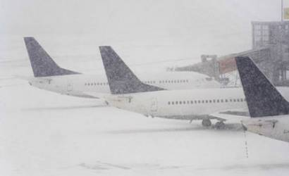 Storms see thousands of flights cancelled in North America