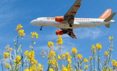 easyJet sees passenger numbers rise as rivals falter