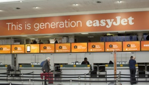 easyJet adds fast track security to business fare