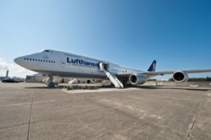 Boeing 747-8 celebrates delivery milestone with Lufthansa
