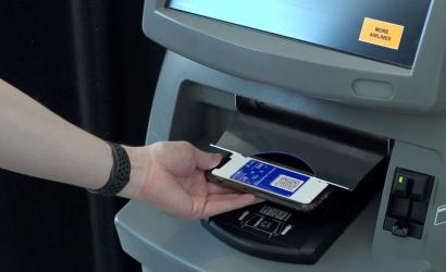 United Airlines launches touchless check-in at Heathrow