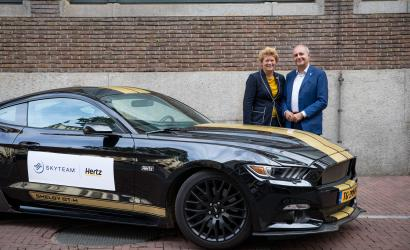 SkyTeam signs new loyalty partnership with Hertz