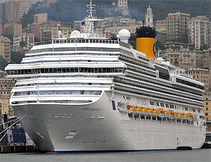 Half of cruisers want smoking onboard 'totally banned'