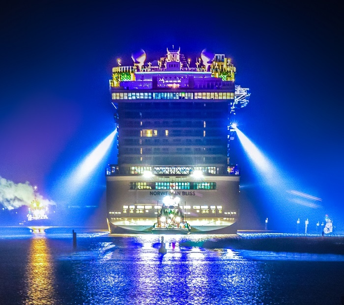 Norwegian Bliss begins convenience on River Ems, Germany