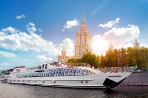 Flotilla Radisson Royal Moscow celebrates World Travel Awards win