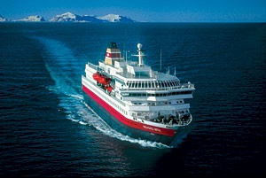 Hurtigruten focuses on cultural exchange between guests and Greenland's Inuit