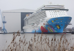 Norwegian Breakaway leaves construction docks