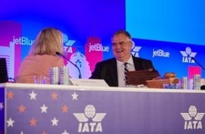 Hayes to continue as IATA chair for further year