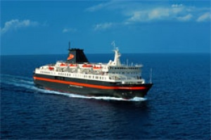 easyCruise tempts early bookers to take a summer 2010 Greek Islands cruise