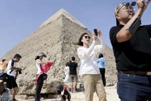 Avoid Tourist Traps While Seeing the Wonders of the World