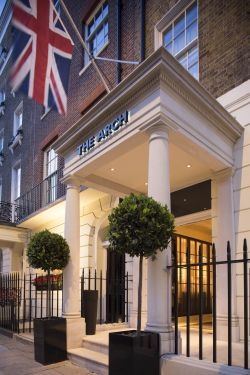 Breaking Travel News investigates: Hunter 486, The Arch London