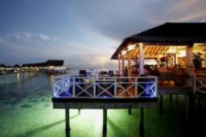 Centara upgrades to a cashless island experience at Maldives
