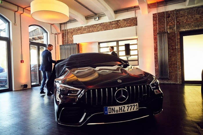 Hertz launches new Kollektion 7 to luxury travellers in Germany