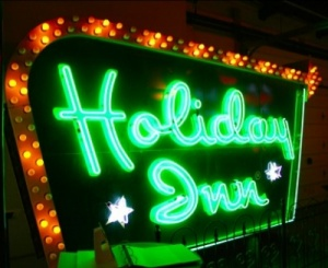 "Holiday Inn ""Pays It Forward"" with a Triple Play"