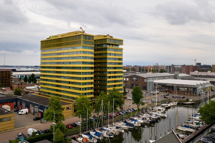 Holiday Inn Express Amsterdam – North Riverside opens to first guests