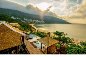InterContinental Danang Sun Peninsula Resort defends top World Travel Awards titles