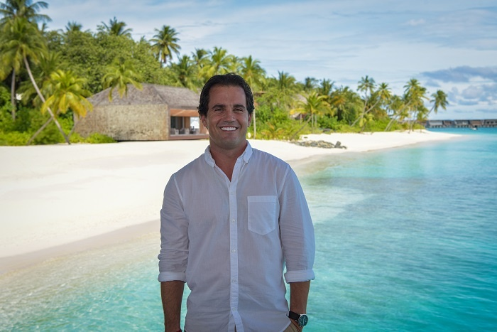 St. Regis Maldives Vommuli appoints Scoles to resort manger role