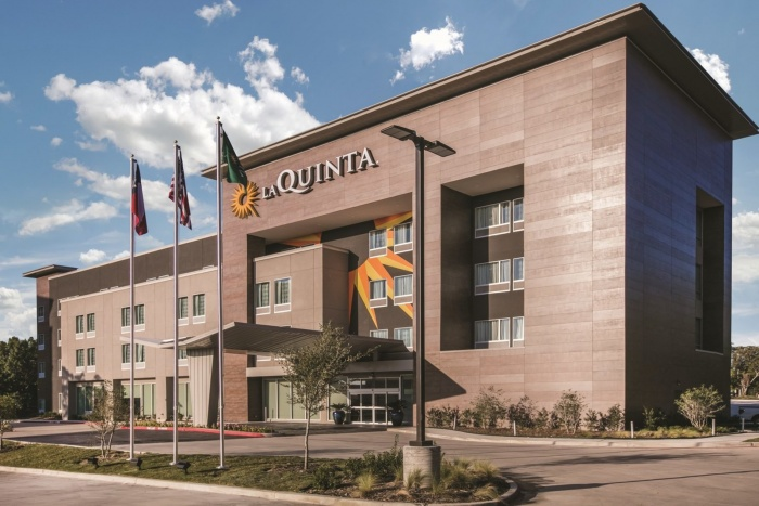 Wyndham lands La Quinta's hotel management business