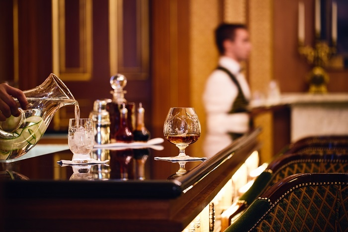 Breaking Travel News investigates: Library Bar, The Lanesborough