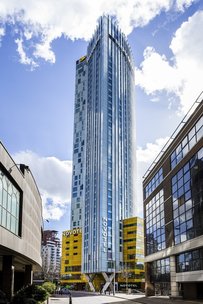 Novotel London Canary Wharf opens to first guests