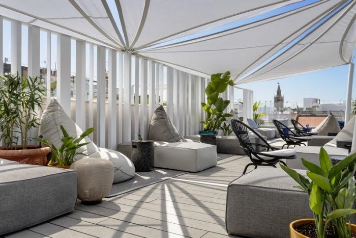 Radisson_Collection_Hotel,_Magdalena_Plaza_Sevilla_-_NS_2021-700x467.jpg