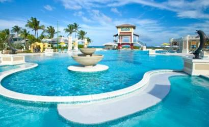 Sandals, Beaches and Grand Pineapple roll out new group promotions